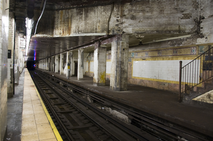 Photo of an NYC subway station.
