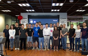 Community members posing during a Chainlink event photo
