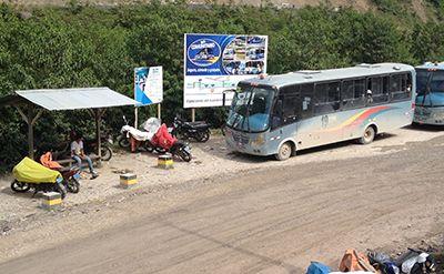 Chaglla community bus stop