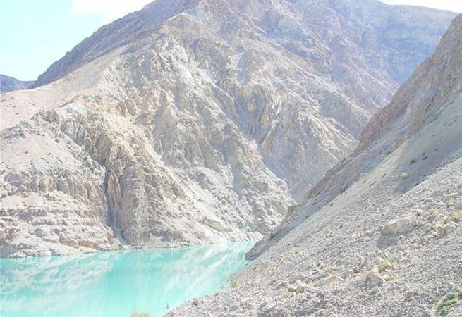 Figure 2 - Nathpa Jhakri surroundings with fragile geology
