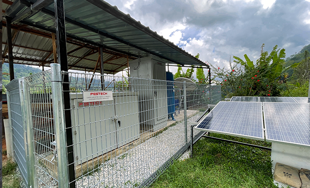 Powering local communities with  solar-hydrogen batteries
