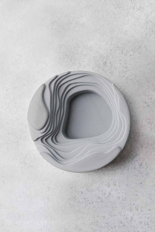 Concrete Salt & Pepper Pincher In Grey