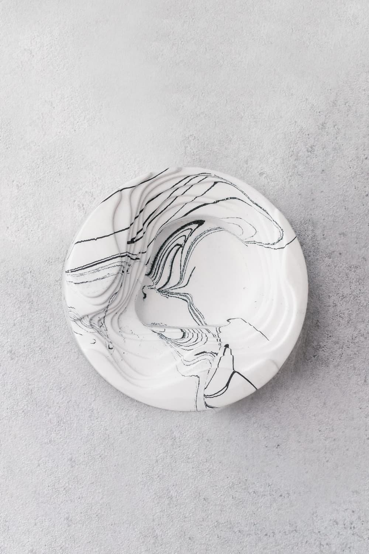 Concrete Salt & Pepper Pincher In White