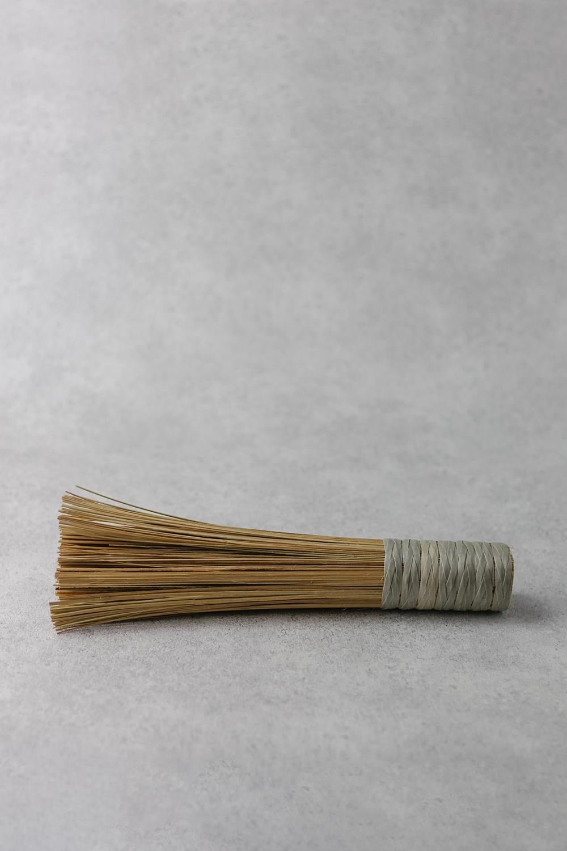 African Rug Brush (Mutsvairo)
