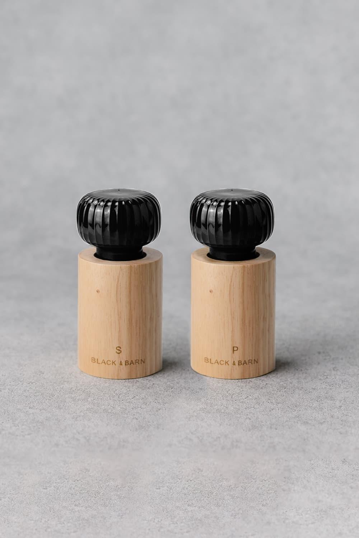 Salt & Pepper Grinder Set In Black