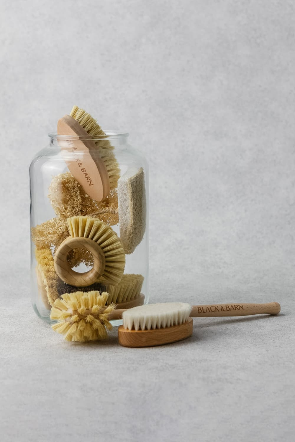 Deluxe Brush and Sponge Set With Jar