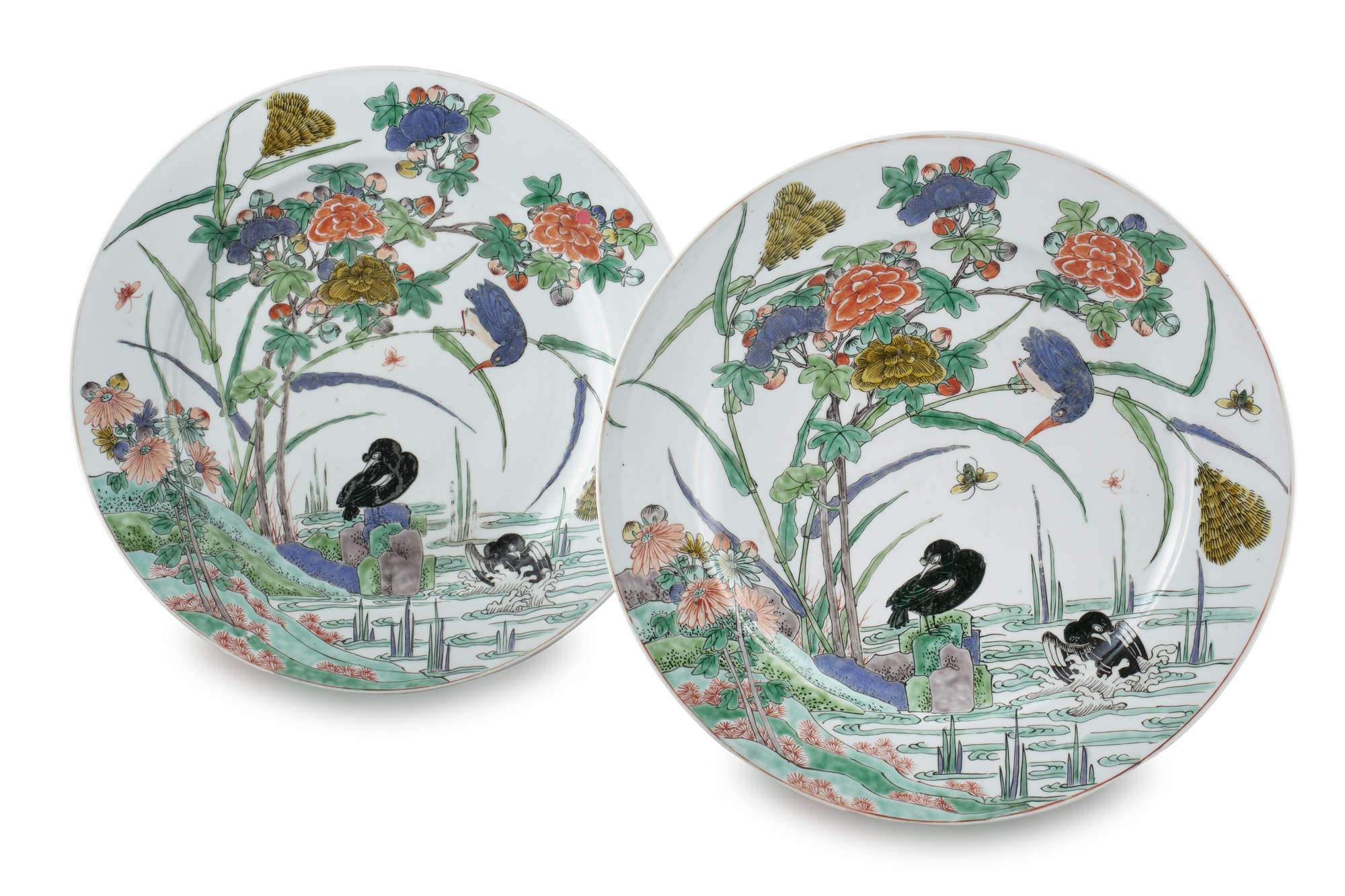 AN IMPORTANT PAIR OF FAMILLE VERTE 'FLYCATCHER AND MAGPIES' PORCELAIN SHALLOW DISHES