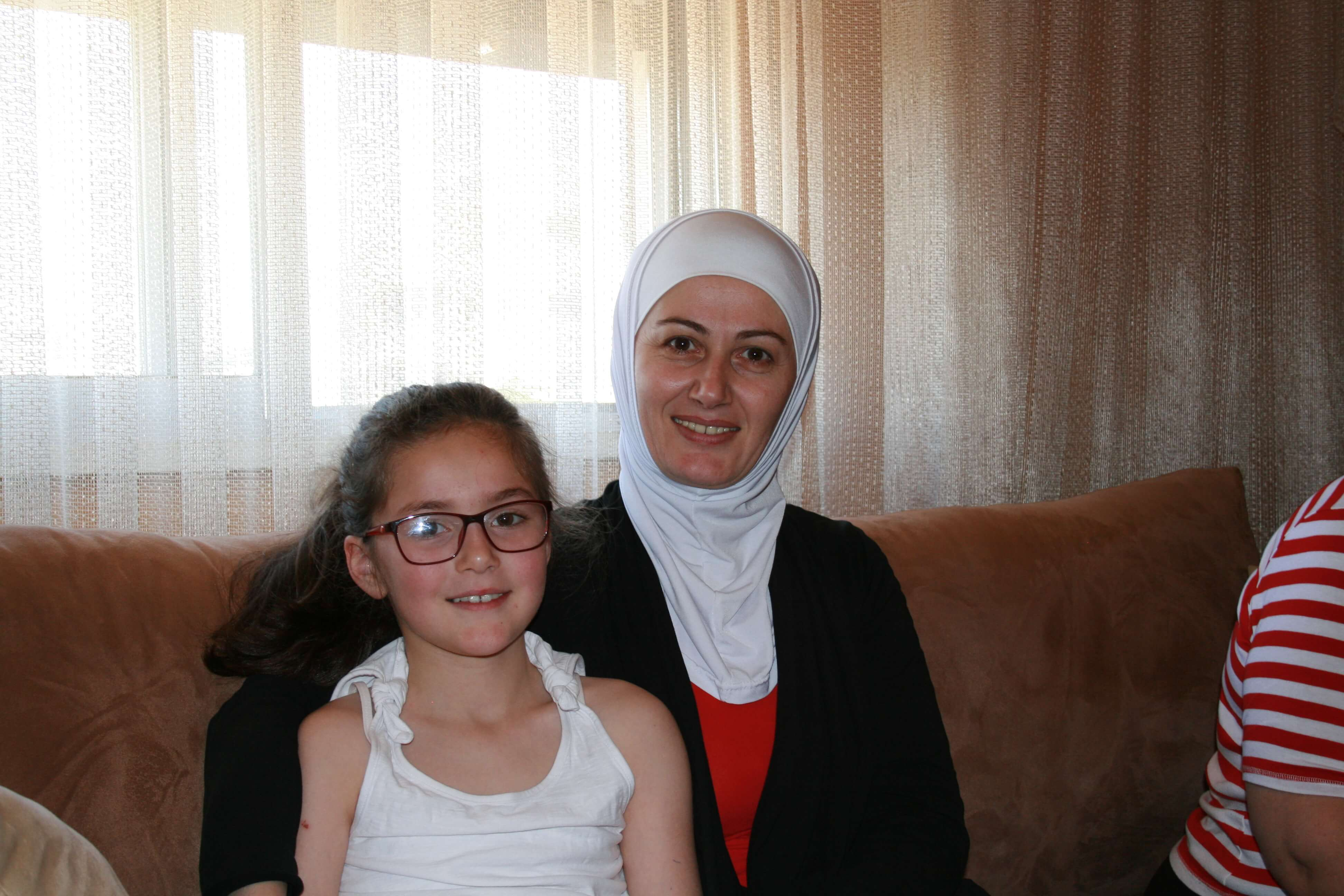 syreen knits to help her family