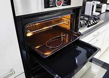A sparkling clean oven - Ovenu South Perth - Oven Detailing