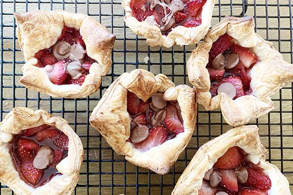 Strawberry and chocolate tarts