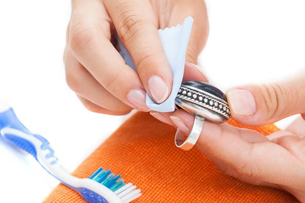 Polishing ring with soft polishing cloth