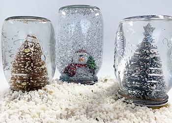 3 diy Christmas Snow Globes