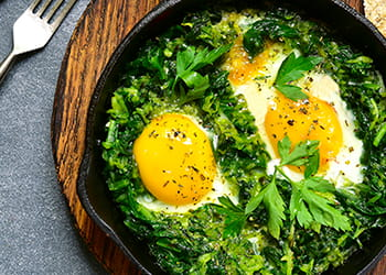 Eggs with spinach, leek and feta cheese