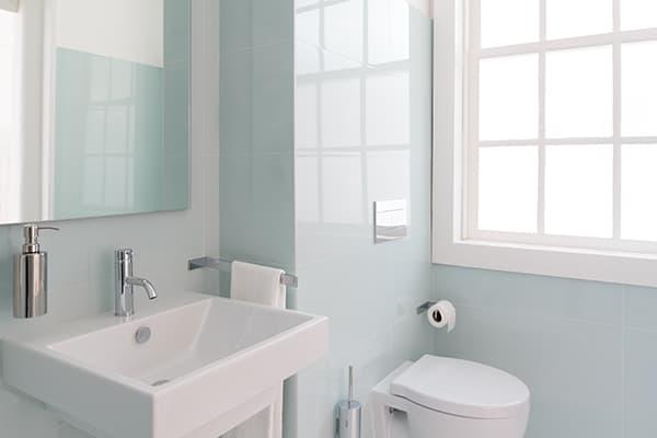 Small bathroom? no problem! 8 big renovation ideas