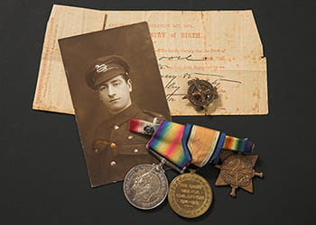 Collection of First World War medals, photo and birth certificate