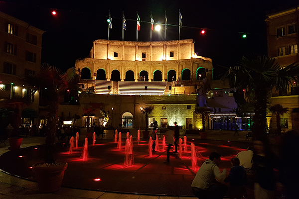Europa-Park Hotel Colosseo Piazza At Night