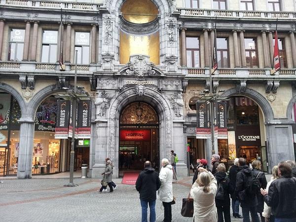 Antwerp Stadsfeestzaal Shopping