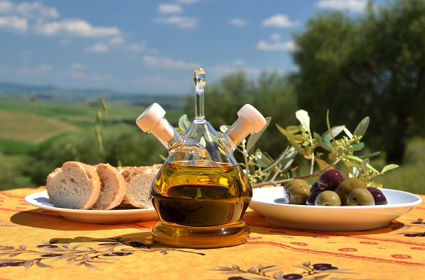 Tuscan Oil Olives and Bread