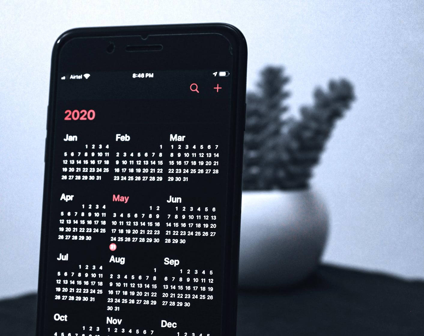close up of mobile phone showing a year calendar