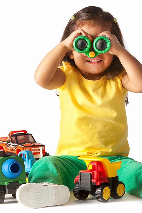 Picture of a small girl with binoculars