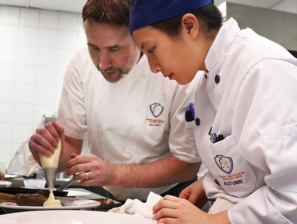 A low student-to-chef ratio ensures that each student receives personal attention and feedback