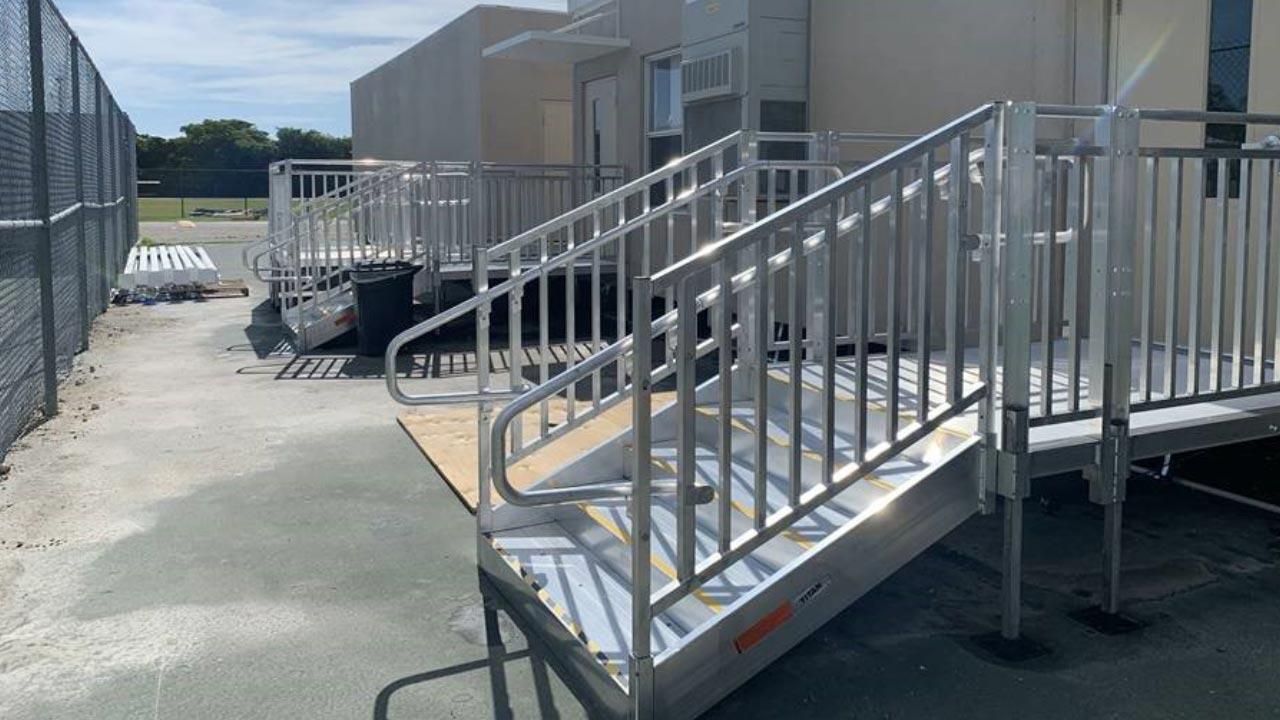 photo of SUITCASE® Singlefold AS Ramp ramp hinge separation
