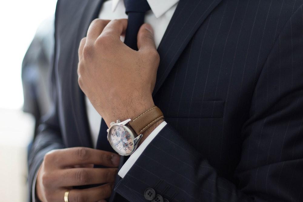 Talent Agencies - Agent in Suit - Wrapbook