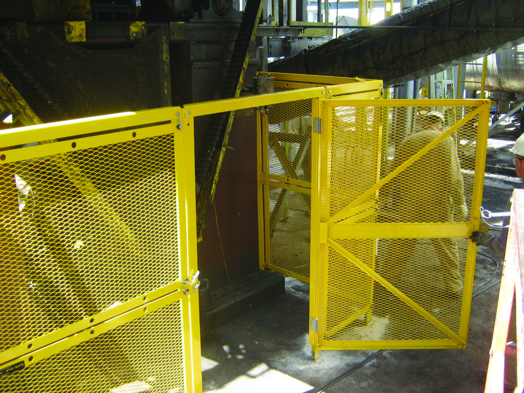 Modular Barrier Guard With Big Access Door