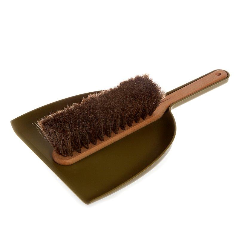 Olive Dustpan & Brush Set, Iris Hantverk