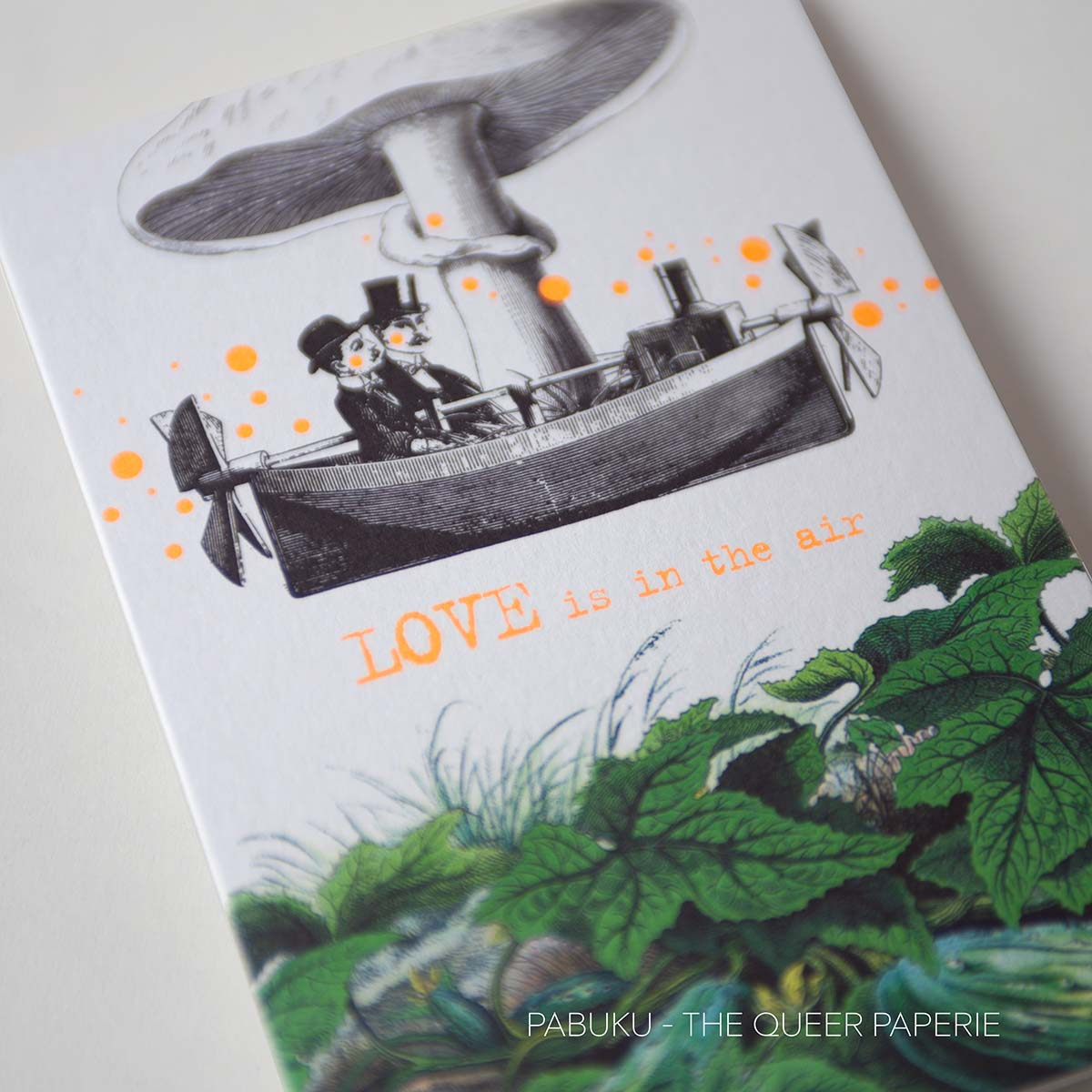 Love is in the Air Card, Pabuku