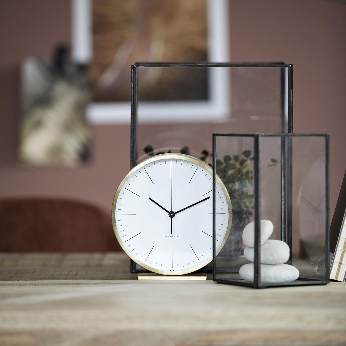 Hannah Clock, Gold