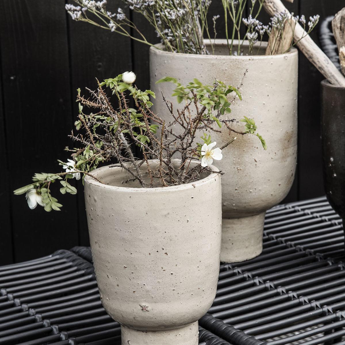 clay planter in beige