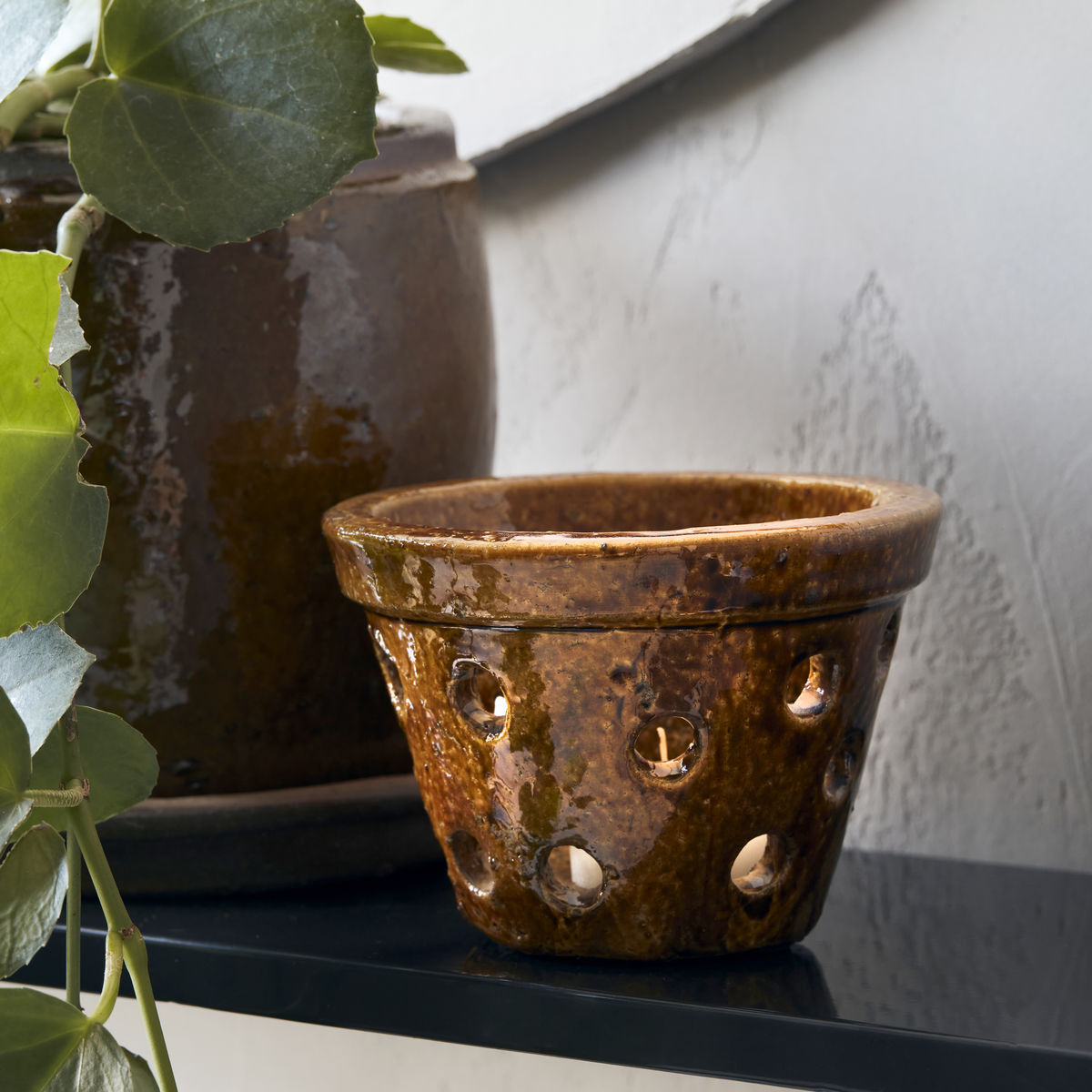 Clay brown tealight holder