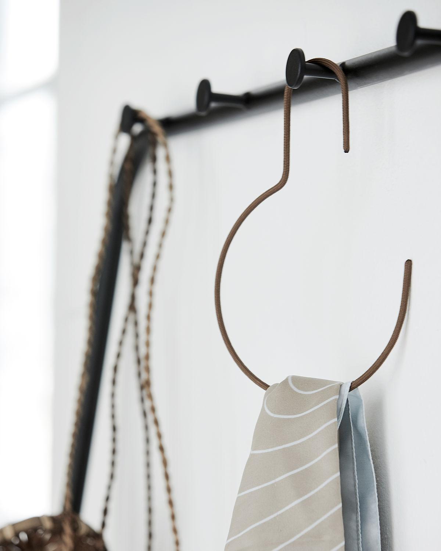 round hangers