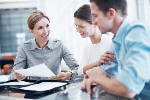 woman explaining investment banking