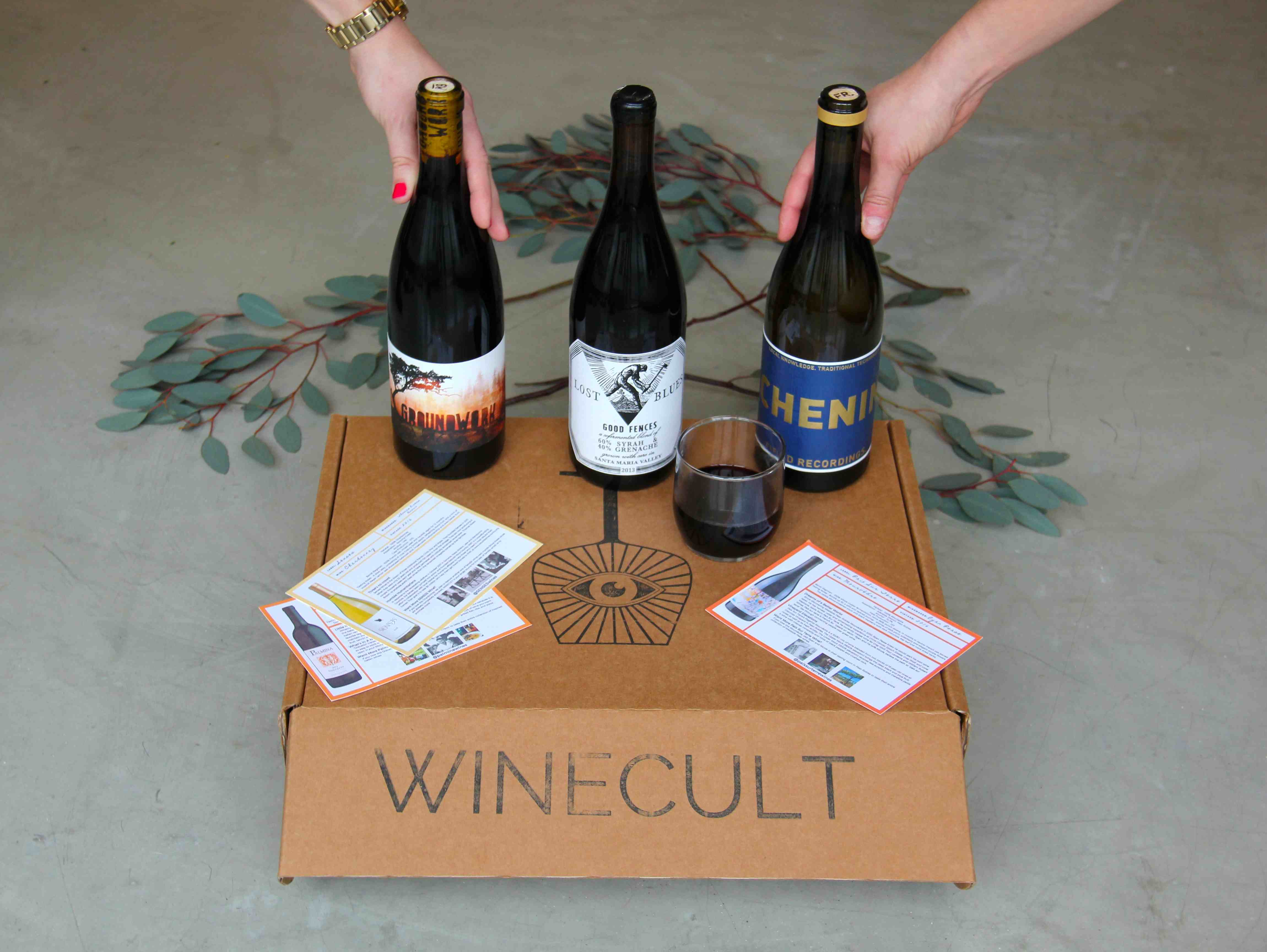WINECULT Club Box with 3 bottles of wine