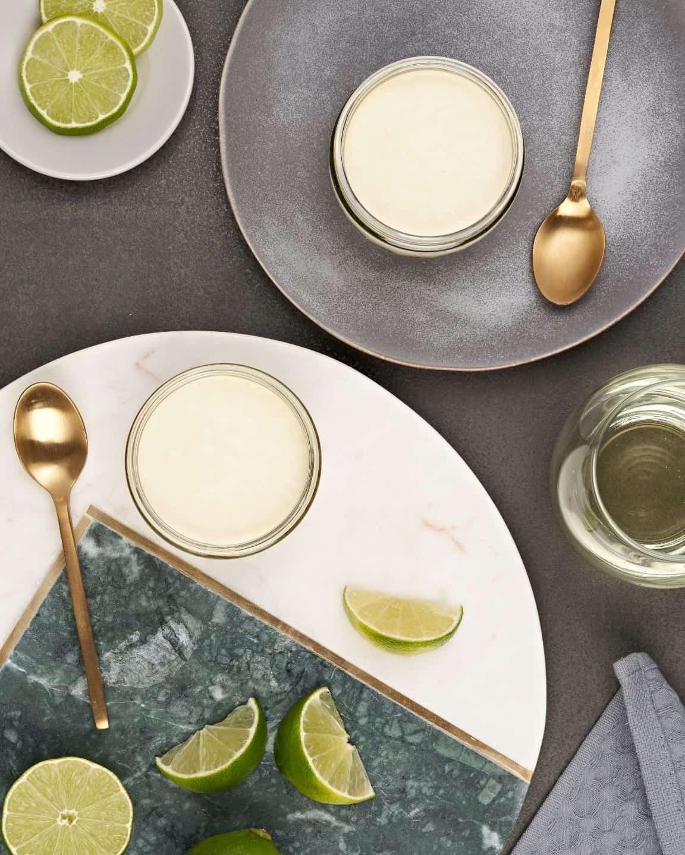 Gü Punchy Peruvian Key Lime Pies granite plate