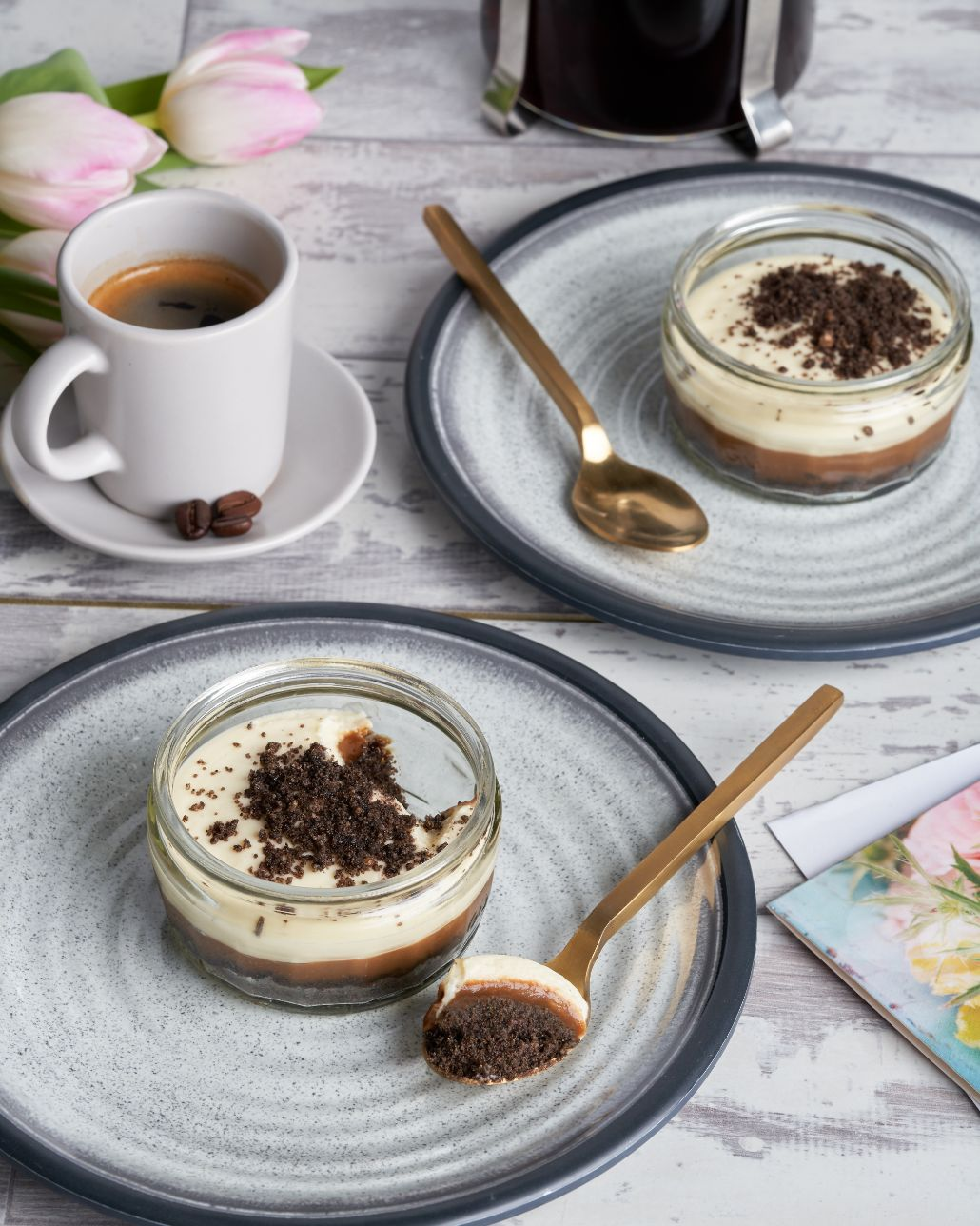 Creamy Cappuccino Cheesecakes plates coffee