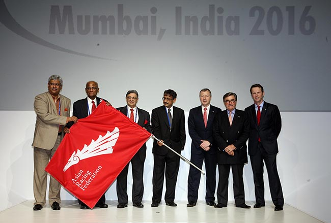 From right: The Secretary-General of the ARF Mr Andrew Harding; The HKJC Chairman Mr T Brian Stevenson; New ARF Chairman Mr Winfried Engelbrecht-Bresges and Chairman of the Turf Authority of India Mr Vivek Jain, at the ARF flag handover ceremony.