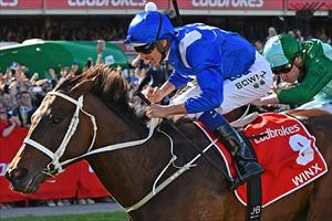 Winx (AUS) and Hugh Bowman winning the 2017 Group 1 Cox Plate (2040m) at Moonee Valley, picture Quentinjlang.com