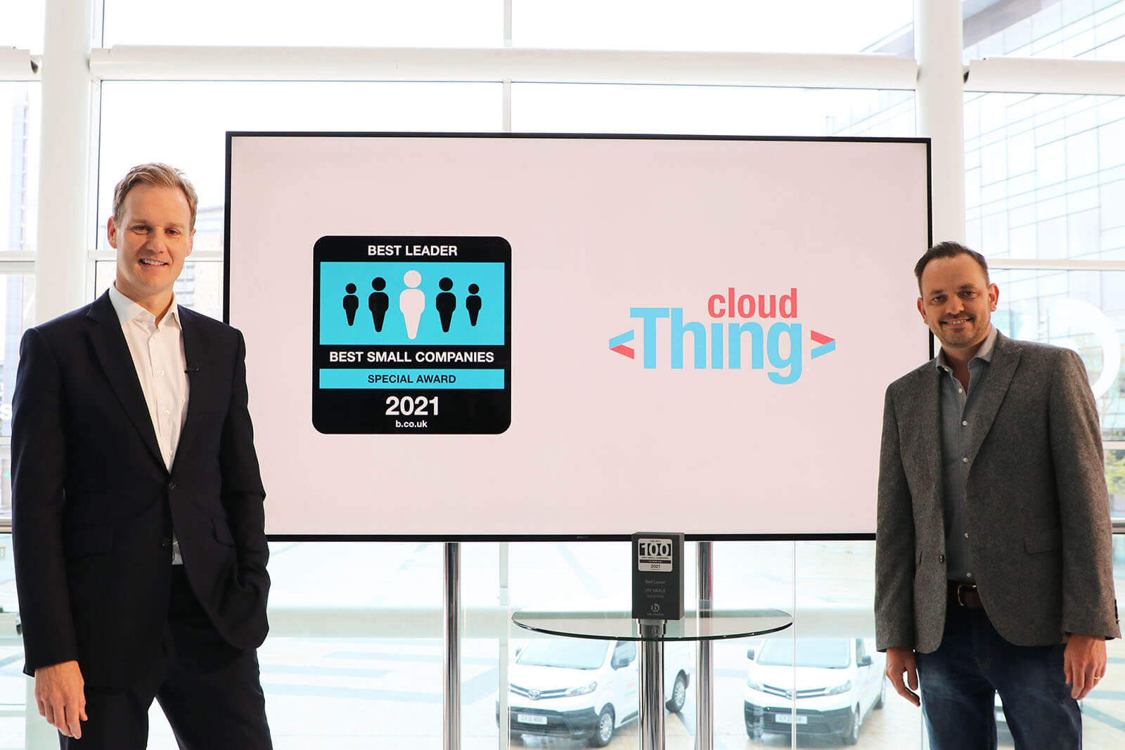 CEO of Cloud Thing Jay Neale with TVPresenter Dan Walker and the Award for the Best Leader Special Award at Best Companies Live