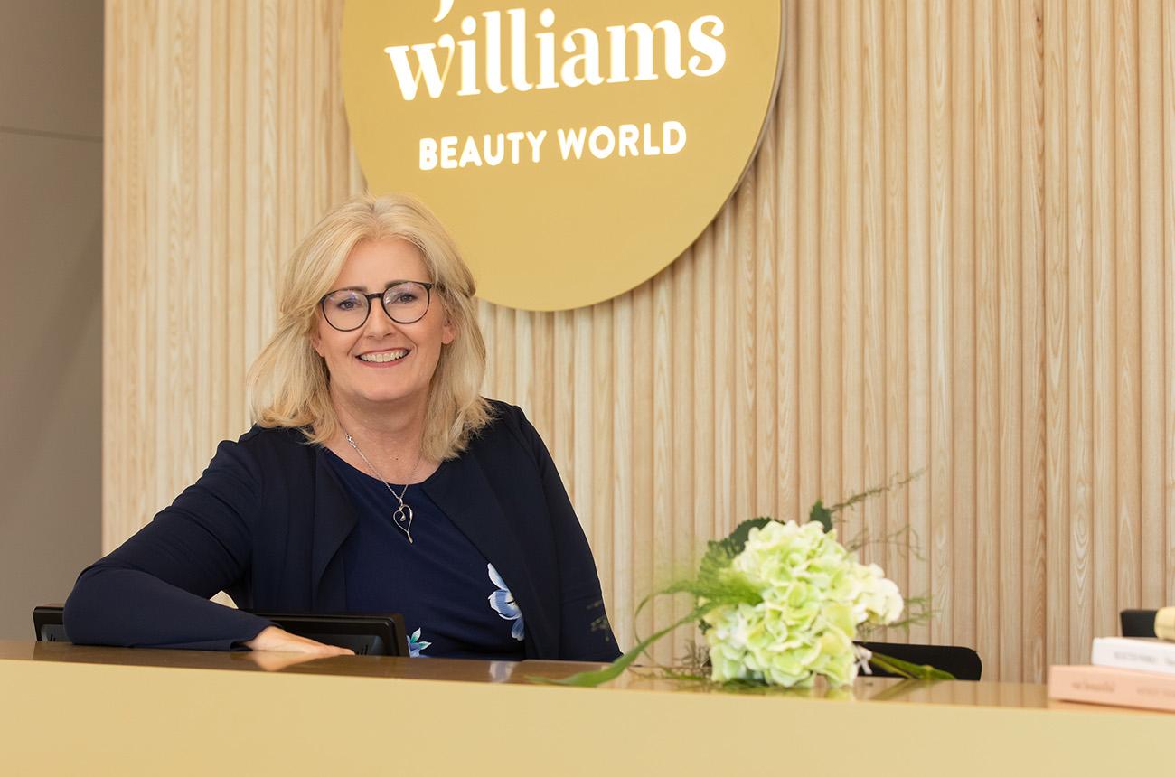 Beauty World Empfang