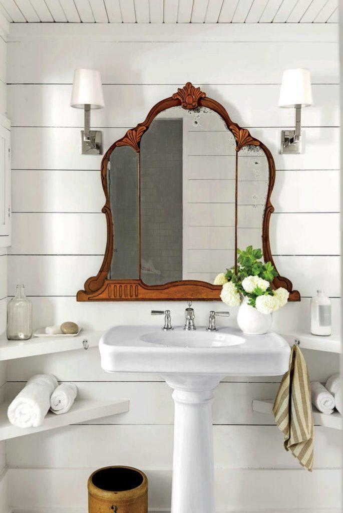 bathroom-antique-mirror