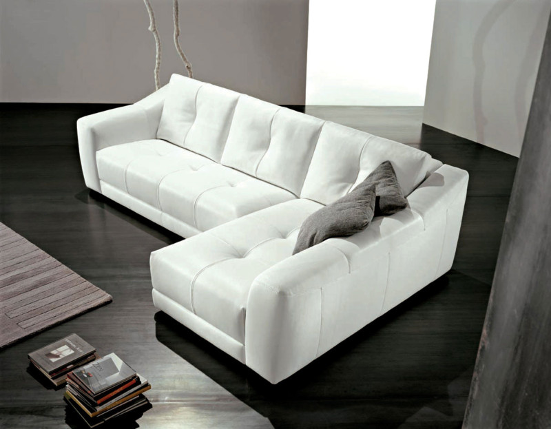 minimalist-living-room-with-L-shaped-furniture