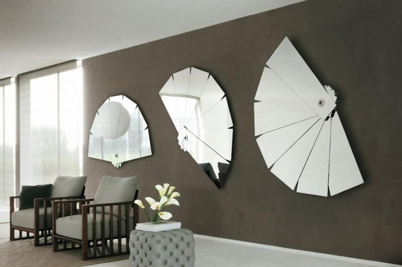 Minimalist-Living-Room-Design-Placed-mirrors