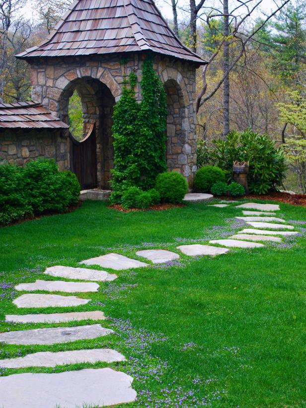 backyard-pathways