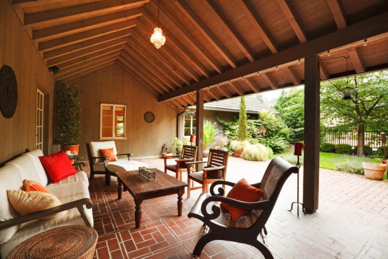 back-porch-furniture