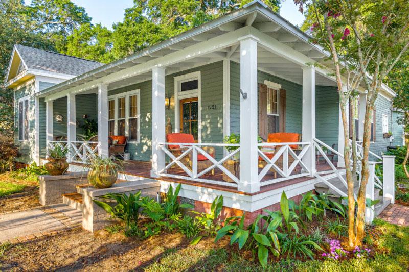farmhouse-porch-design