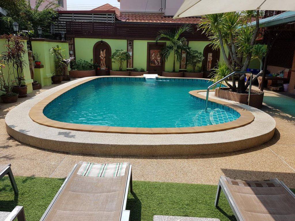 british-pool-house-ideas
