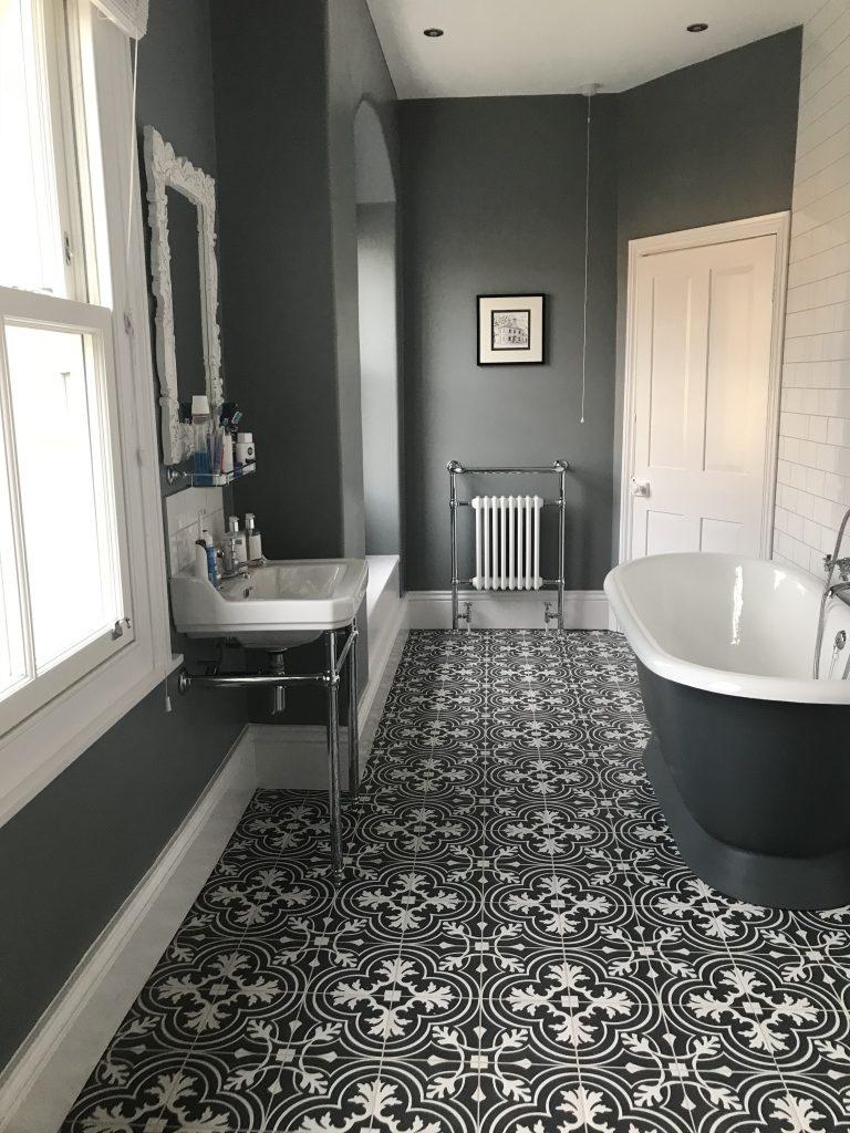 victorian-grey-bathroom
